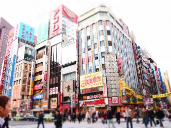{Japan 2012} Day 7: Tokyo – Shinjuku | juliegozali.com
